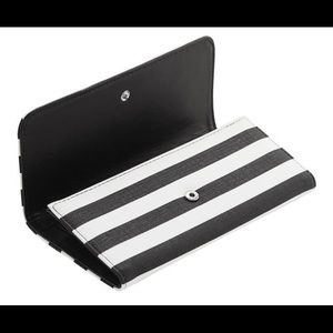 New black and white wallet